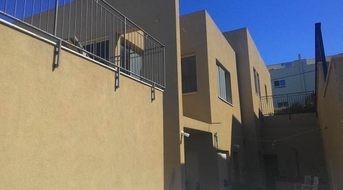 וילה פרטית עם יחידת דיור ואפשרות להרחבה .