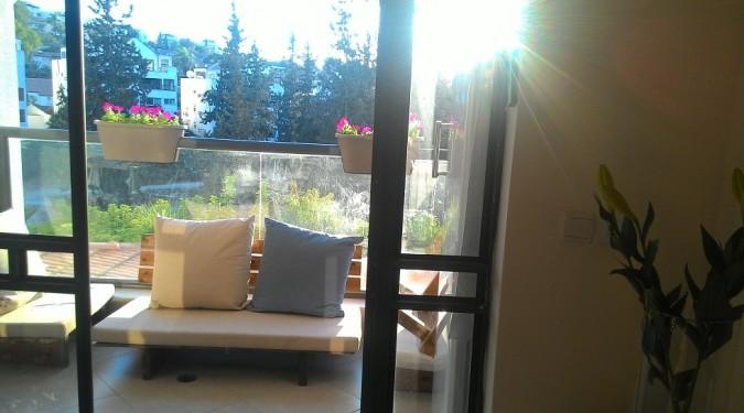 בראש העין דירת 4 חדרים עם מרפסת שמש עורפית ליער